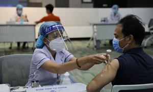 500 nhân viên khu công nghệ cao khởi đầu chiến dịch tiêm chủng lớn nhất lịch sử