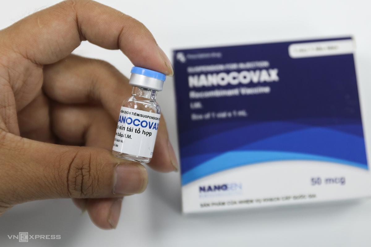 Vaccine Covid-19 Nanocovax được phát triển theo công nghệ tái tổ hợp, đang trong mũi tiêm đầu của giai đoạn ba thử nghiệm lâm sàng. Ảnh: Như Quỳnh.