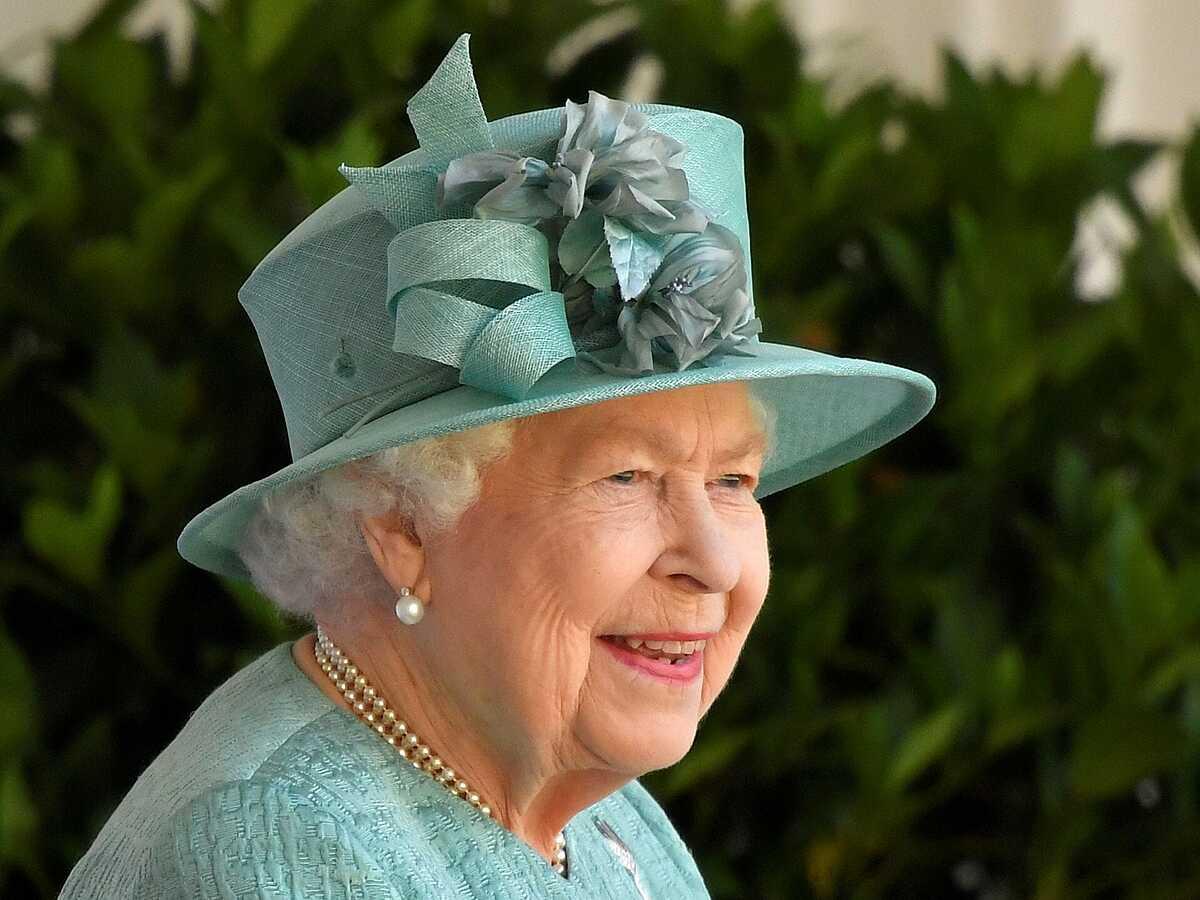 Nữ hoàng Elizabeth tại lâu đài Windsor, tháng 6/2020. Ảnh: Reuters