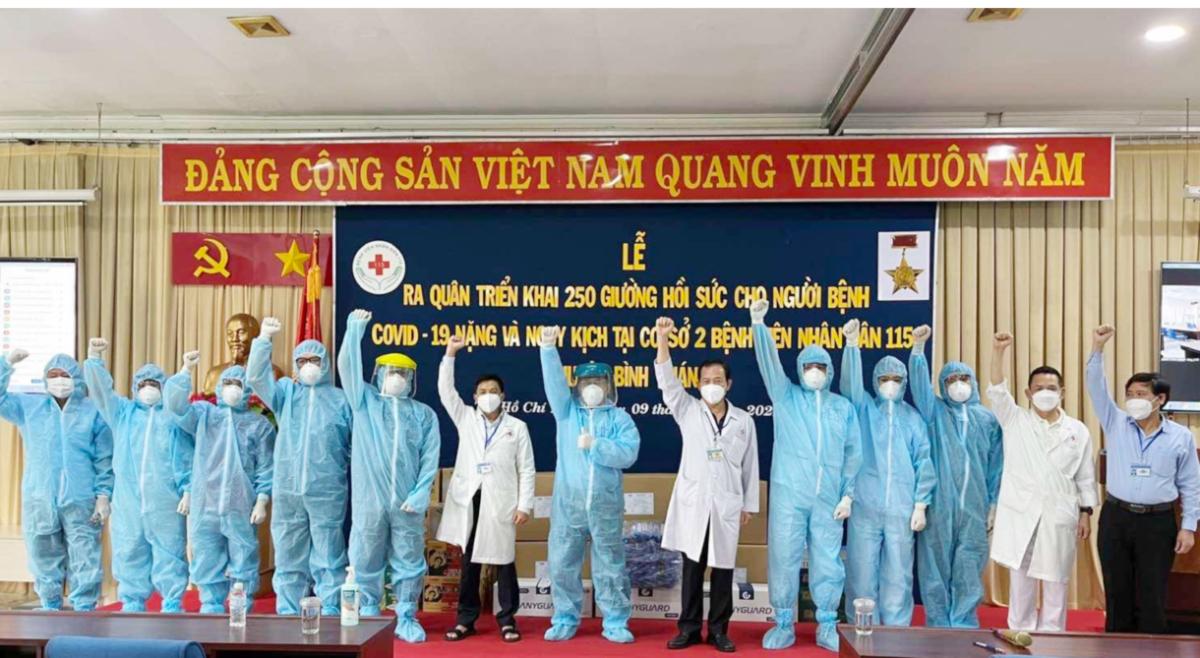 Ngay sau nhận được phân công của Sở Y tế, chiều 9/7, Bệnh viện Nhân Dân 115 đã ra quân triển khai 250 giường hồi sức Covid-19 nguy kịch tại đặt tại Bệnh viện huyện Bình Chánh. Ảnh: Bệnh viện Nhân Dân 115.
