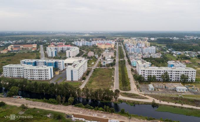 Khu tái định cư Vĩnh Lộc B, huyện Bình Chánh nhìn từ trên cao tháng 12/2017. Ảnh: Quỳnh Trần.