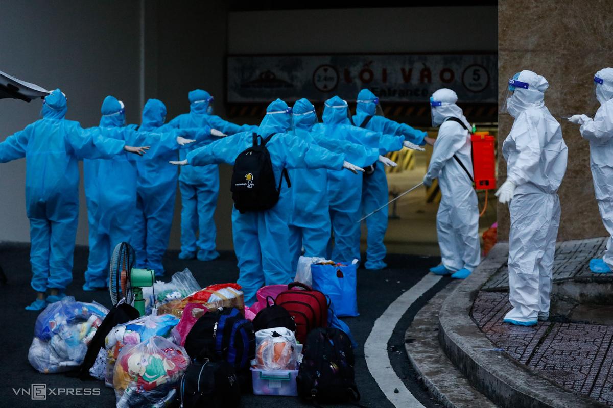 Bệnh việnh dã chiến điều trị Covid-19 số 3 khi nhận bệnh nhân ngày 7/7. Ảnh: Hữu Khoa