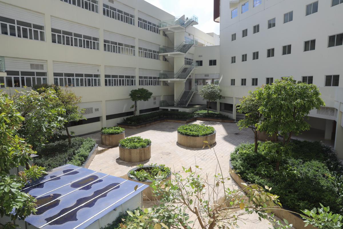 Bệnh viện Ung bướu cơ sở 2 đã bắt đầu đi vào hoạt động từ cuối năm ngoái, với các khoa khám bệnh, xạ trị, hóa trị, khu nội trú chưa chính thức vận hành. Ảnh: Quỳnh Trần.