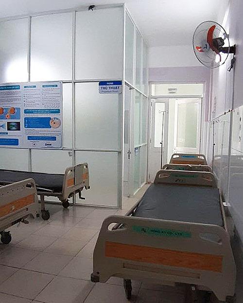 Bệnh viện Thành phố Thủ Đức bố trí lại giường bệnh để chuẩn bị tiếp nhận bệnh nhân Covid-19. Ảnh do bác sĩ cung cấp. m
