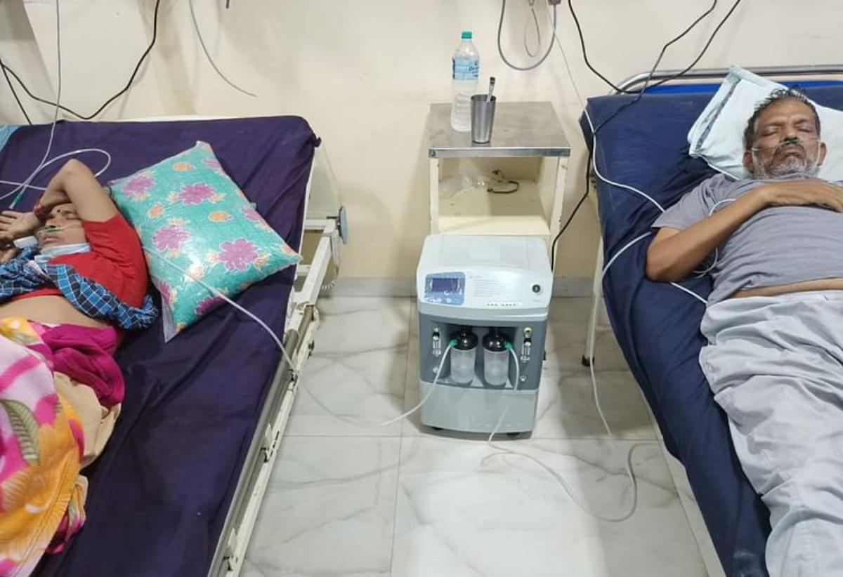 Máy tạo oxy đang được sử dụng tại một bệnh viện ở Sanawad, Ấn Độ. Ảnh: The Free Press Journal.