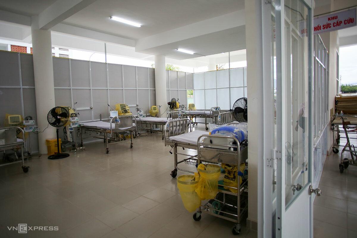 Kh hồi sức cấp cứu của Bệnh viện dã chiến vừa thành lập ở Đà Nẵng, chiều 22/7. Ảnh: Nguyễn Đông.