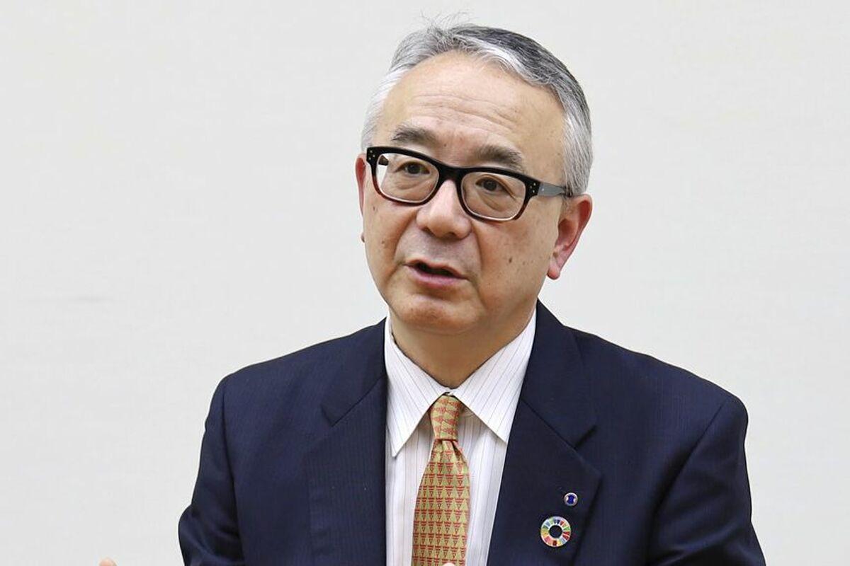 Isao Teshirogi, giám đốc điều hành của Shionogi, phát biểu trong cuộc họp báo tháng 7/2021. Ảnh: Kyodo News