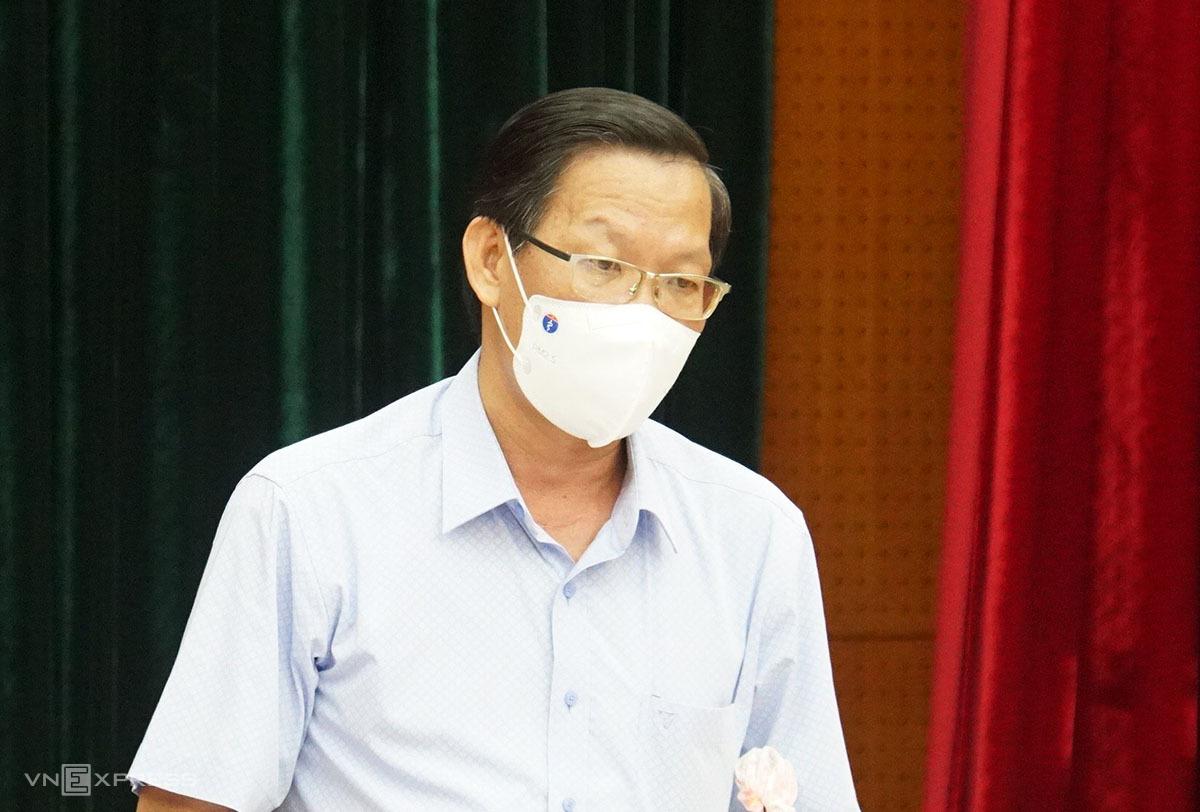 Phó Bí thư thường trực thành uỷ Phan VăN mãi trong cuộc họp cuối tháng 7 tại Thành uỷ tp hcm nhé.