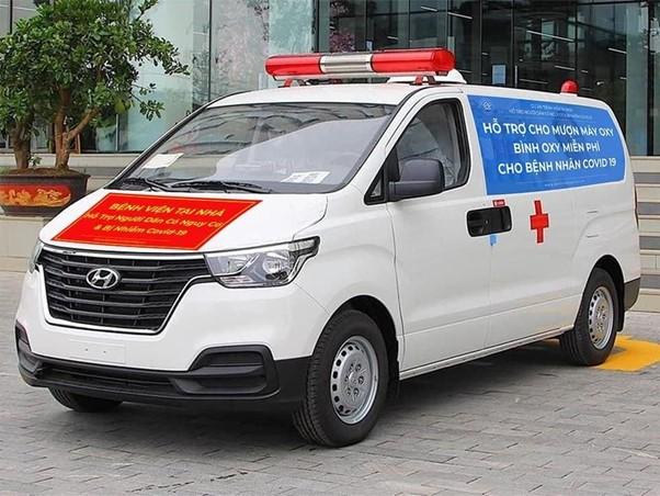 Dự án 'Bệnh viện tại nhà' cung cấp miễn phí dịch vụ tư vấn, tặng thuốc, cho mượn bình oxy... Ảnh: Nhân vật cung cấp