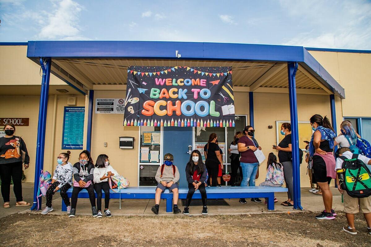 Ngày tựu trường của học sinh tại Newark, California, tháng 7/2021. Ảnh: NY Times