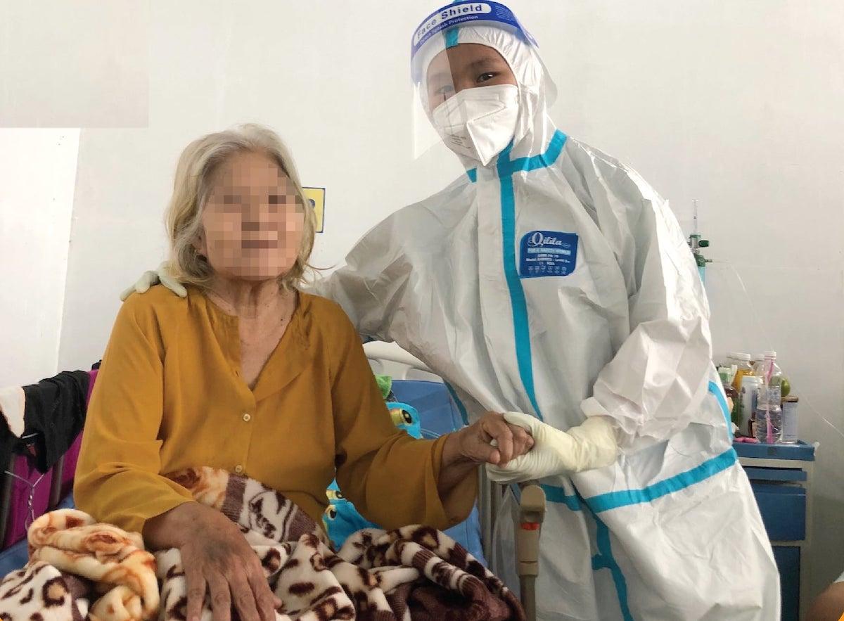 Bệnh nhân 64 tuổi, có bệnh lý nền, thuyên tắc phổi do Covid-19 được điều trị thành công, sức khỏe hồi phục tốt. Ảnh. Bệnh viện Đa khoa Xuyên Á