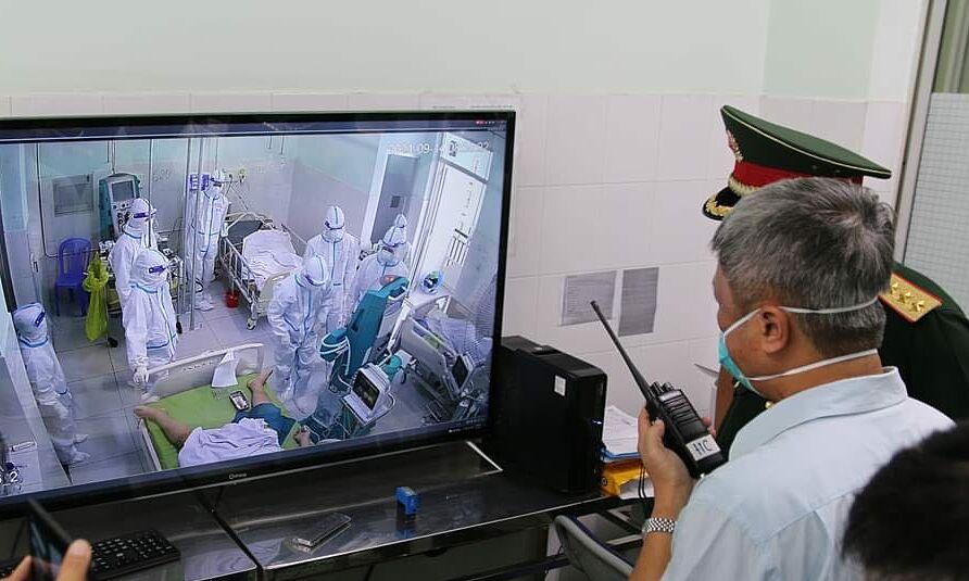Thứ trưởng thị sát tại các cơ sở y tế trên địa bàn tỉnh Tiền Giang ngày 14/9. Ảnh: MOH
