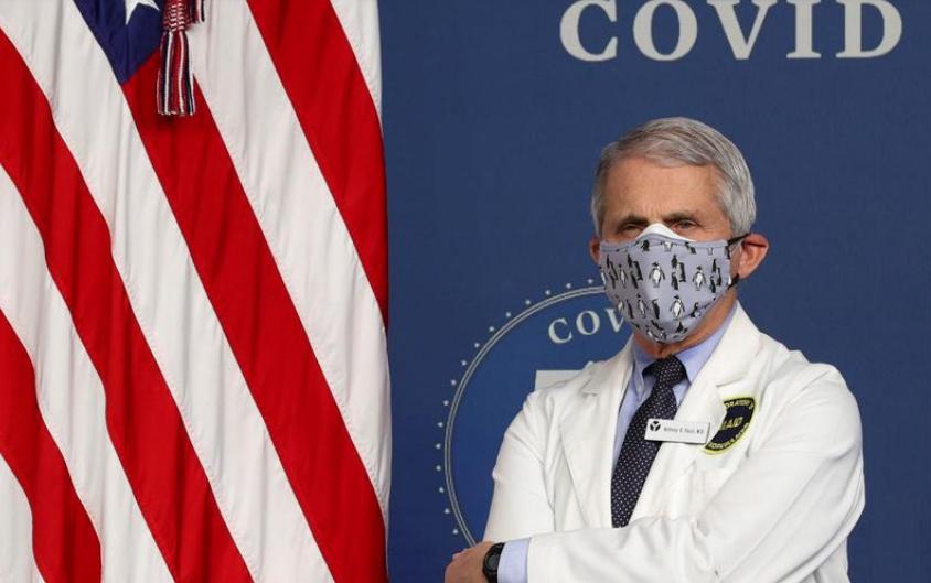 Tiến sĩ Anthony Fauci là chuyên gia dịch tễ hàng nước  Mỹ, hiện giữ chức Viện trưởng Dị ứng và Bệnh truyền nhiễm Quốc gia Mỹ, tham gia một sự kiện về Covid-19 tại Nhà Trắng ngày 25/2.