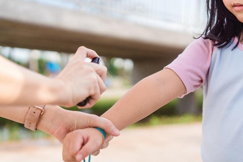 Phòng ngừa virus viêm não Nhật Bản bằng cách phòng chống muỗi đốt và tiêm vaccine.