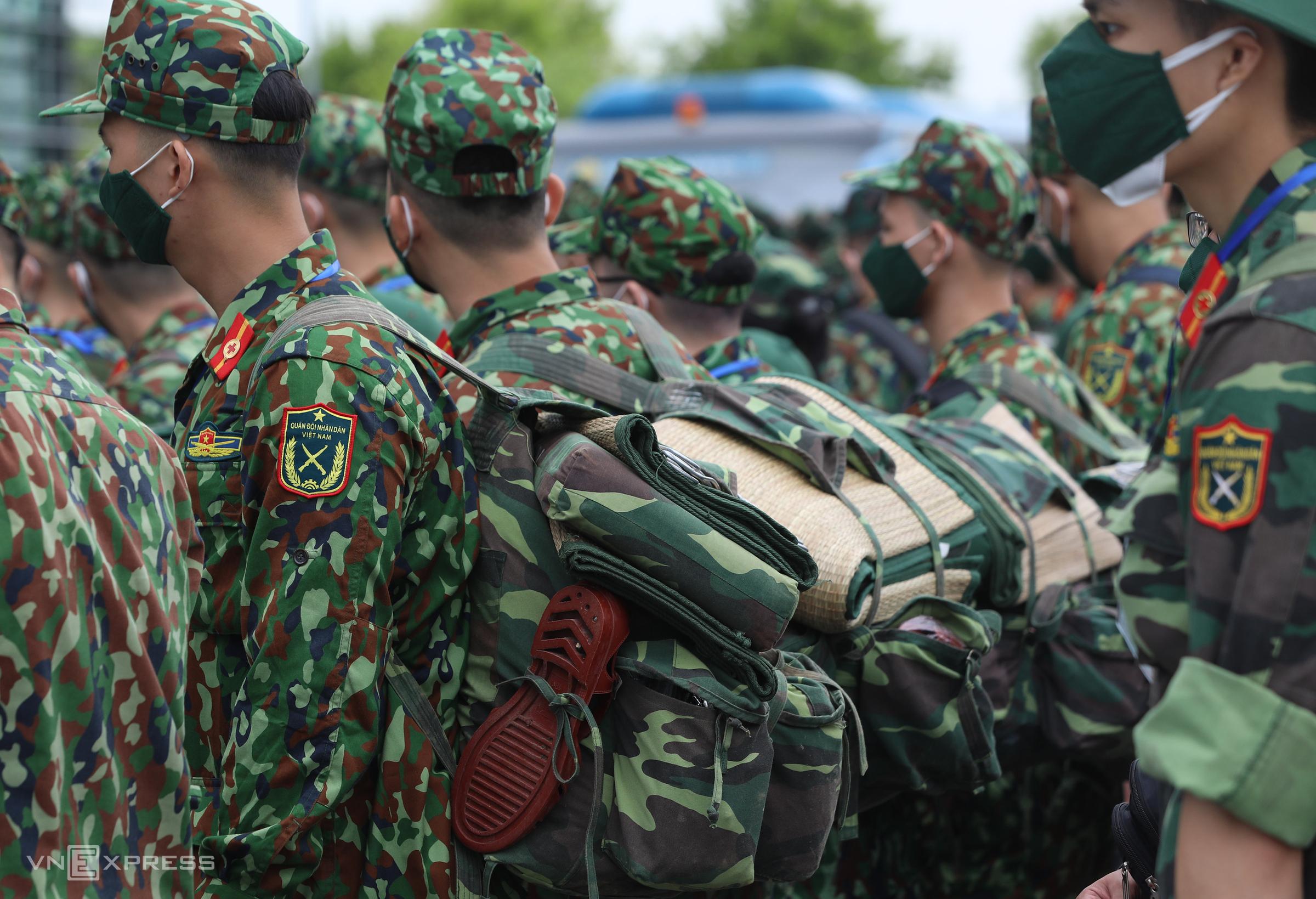 Quân y được tăng cường vào miền Nam, giúp TP HCM chống dịch, ngày 23/8. Ảnh: Ngọc Thành.