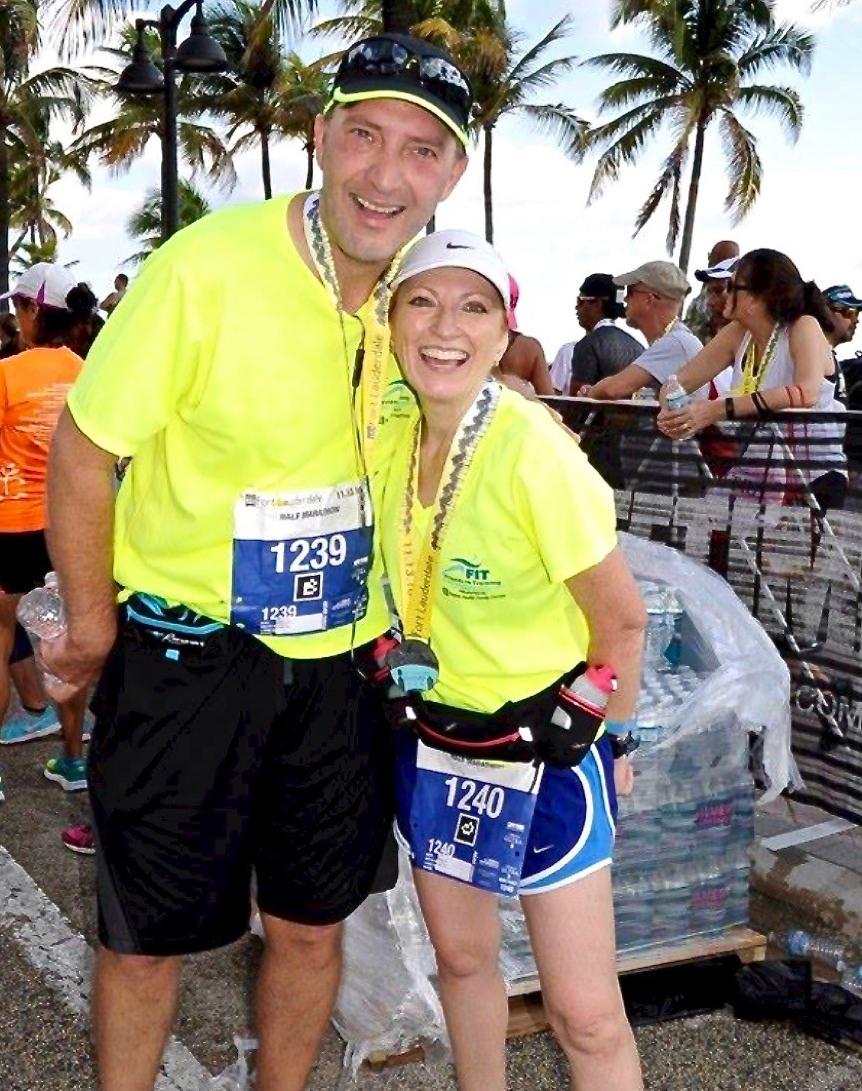 Boyd cùng chồng tham gia một giải chạy. Ảnh: Baptist Health.
